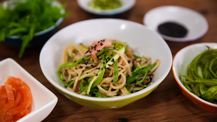 Back to school quick summer dinner: smoked salmon ramen noodle salad
